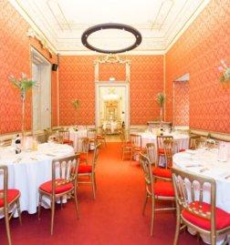 Palais-Schoenburg-Beletage_Roter-Salon