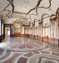 Schloss_Belvedere_Marmorgalerie