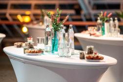 Caesar-Gala-Werbepreis-DoN-Catering-Stehtische-1