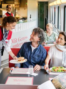 DoNs-Catering-auf-den-Fernverkehrszuegen-der-OEBB-Harald-Eisenberger
