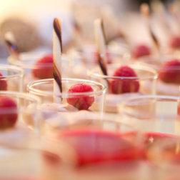 Pausentisch-im-Musiktheater-Linz-DoN-Catering-Desserts-1