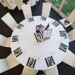 LASK-Linz-VIP-DoN-Catering-Tischaufbau
