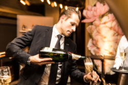 Welt-der-Genuesse-DoN-Catering-Innsbruck-Barkeeper