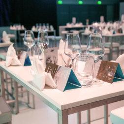 Welt-der-Genuesse-Linz-DoN-Catering-gedeckte-Tische-1
